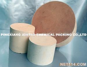 薄壁堇青石质蜂窝陶瓷载体.png