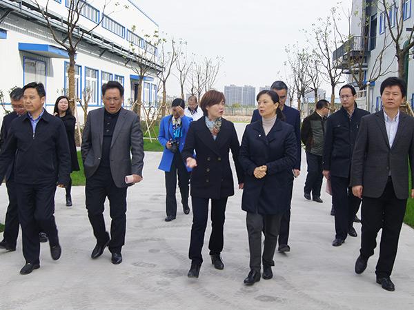扬州大学学生参观(3)